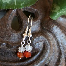 Fertility Earrings in Carnelian and Quartz